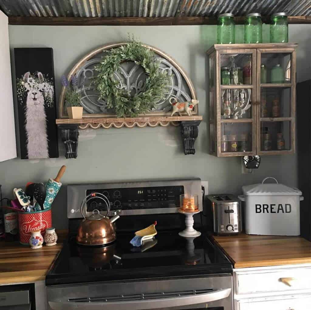 Farmhouse style mobile home with painted backsplash