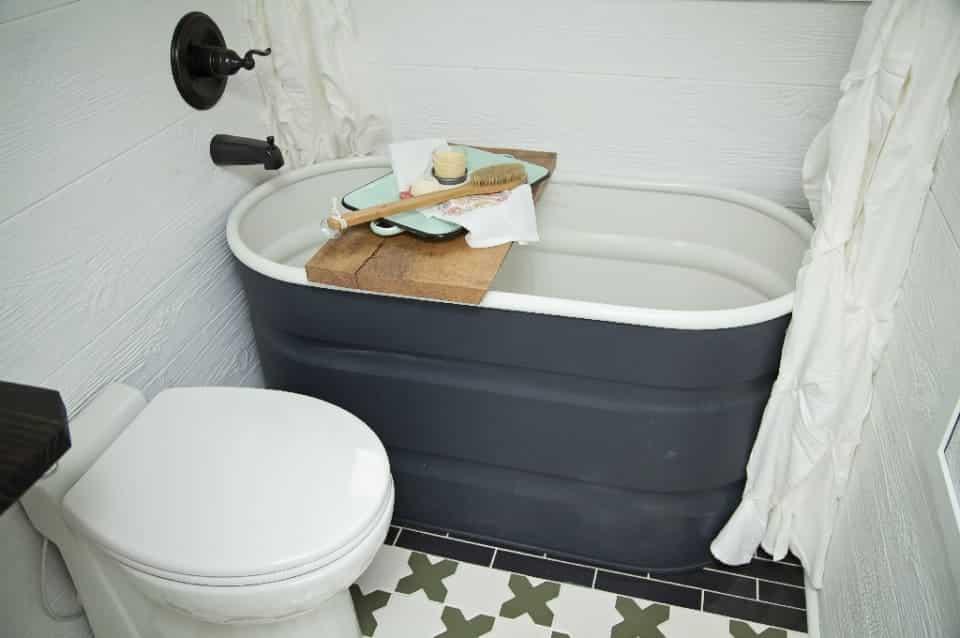 Farmhouse tiny home tub