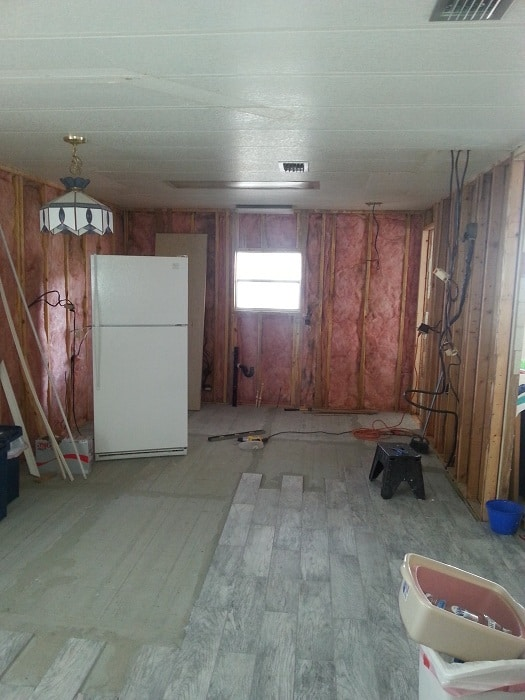 Flip Flop Beach Themed Mobile Home Getting New Walls