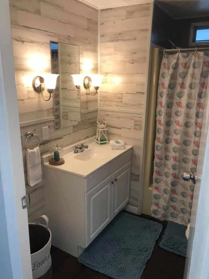 Florida bathroom