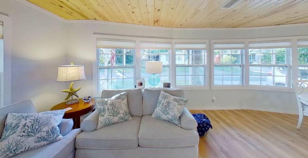 Florida double wide bay window