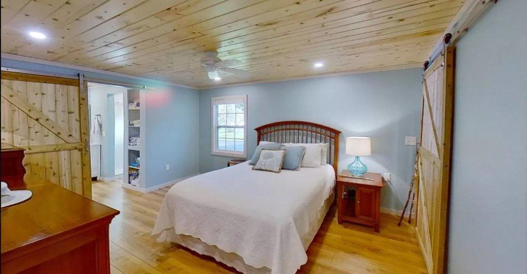 Florida double wide bedroom