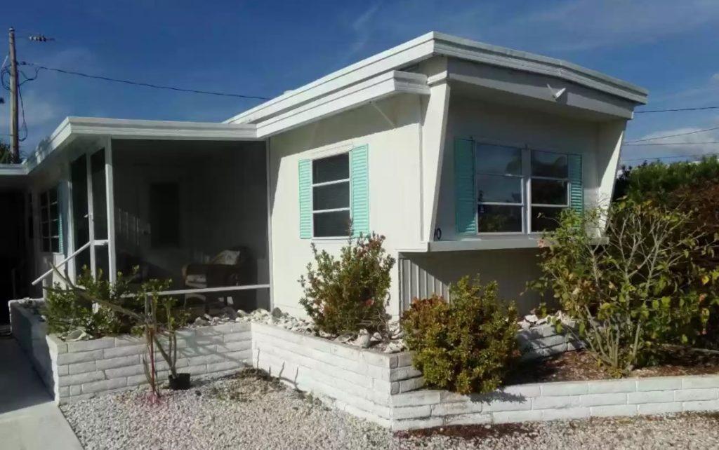Florida mobile home exterior