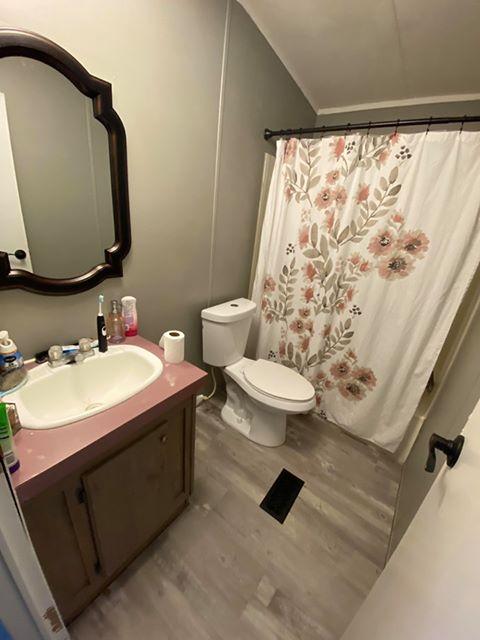 Florida single wide guest bath after