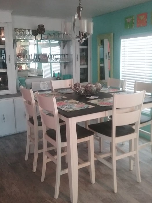 Fun Beach House Mobile Home Dining Room