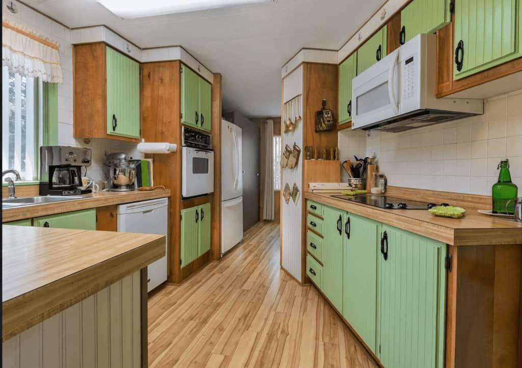 Greeen kitchen cabinets