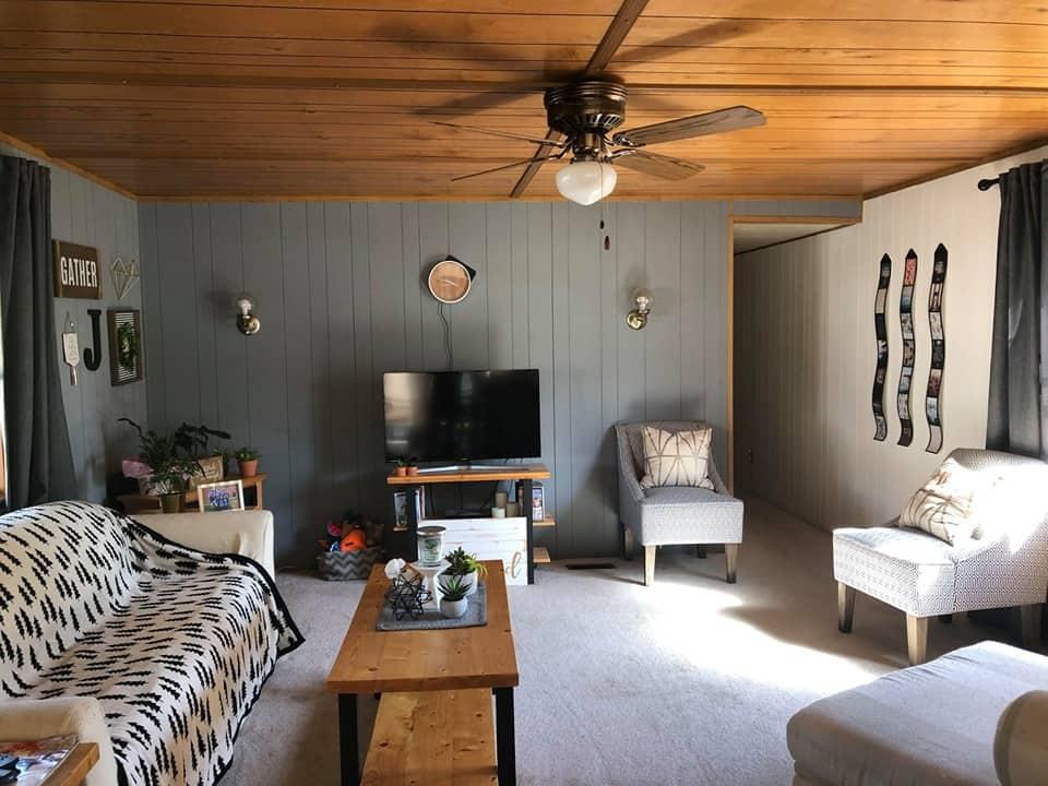 Iowa Single Wide Living Room