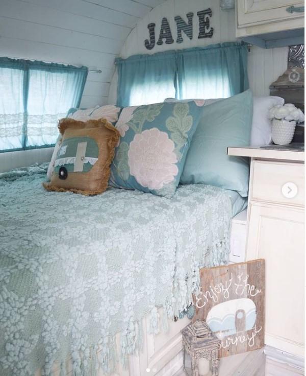 Jane the camper bed