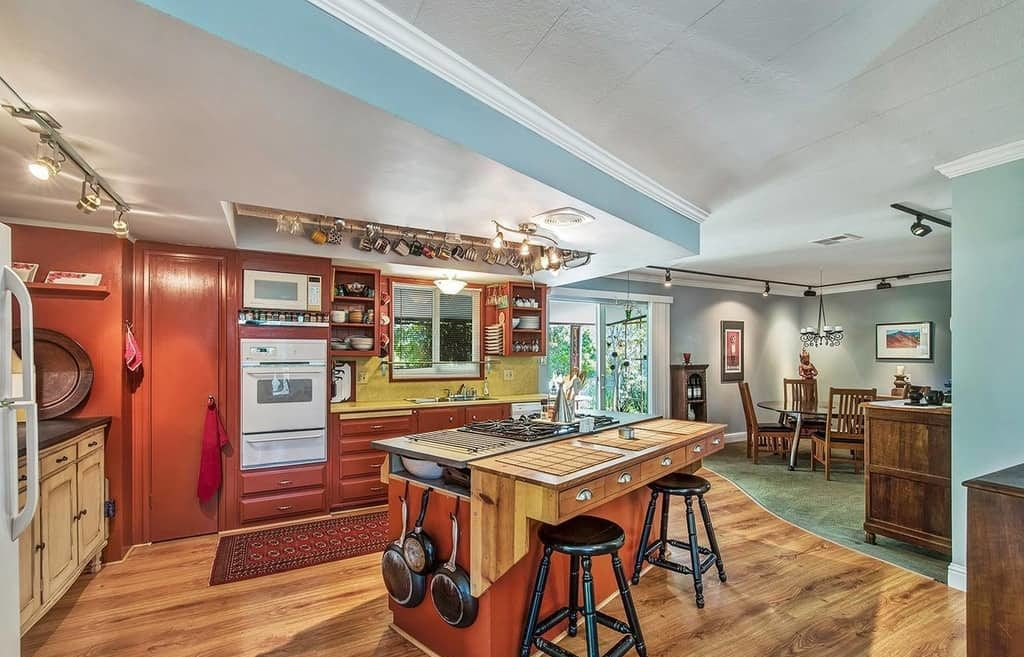 Jaw dropping mobile home red kitchen