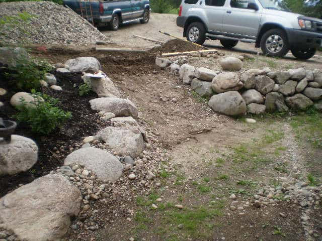 landscaping-a-patyhway-to-mobile-home