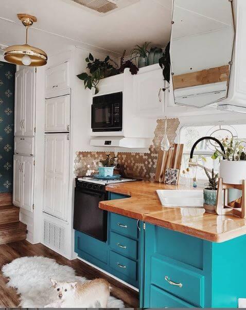 Leeannieblivin kitchen