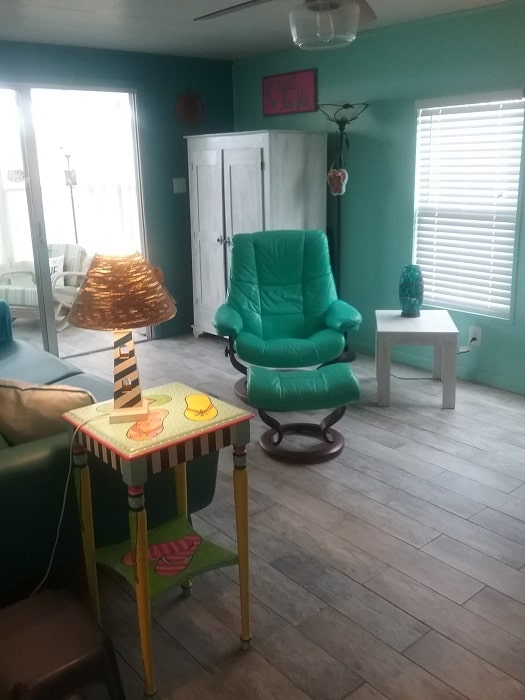 Living Room With Cute Flip Flop End Table