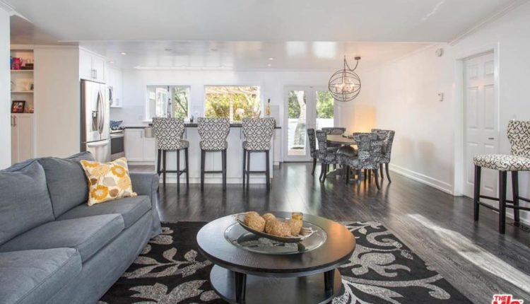 Living Space Double Wide Mobile Home Newly Remodeled At Paradise Cove Rd, Malibu, C A