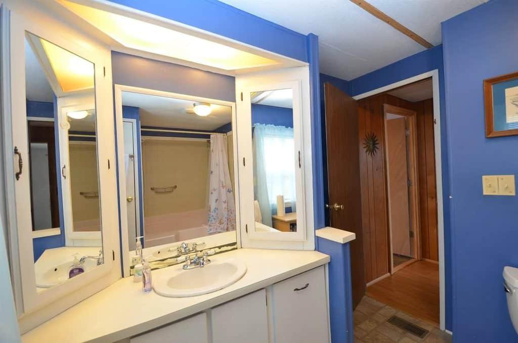 Maine Bathroom