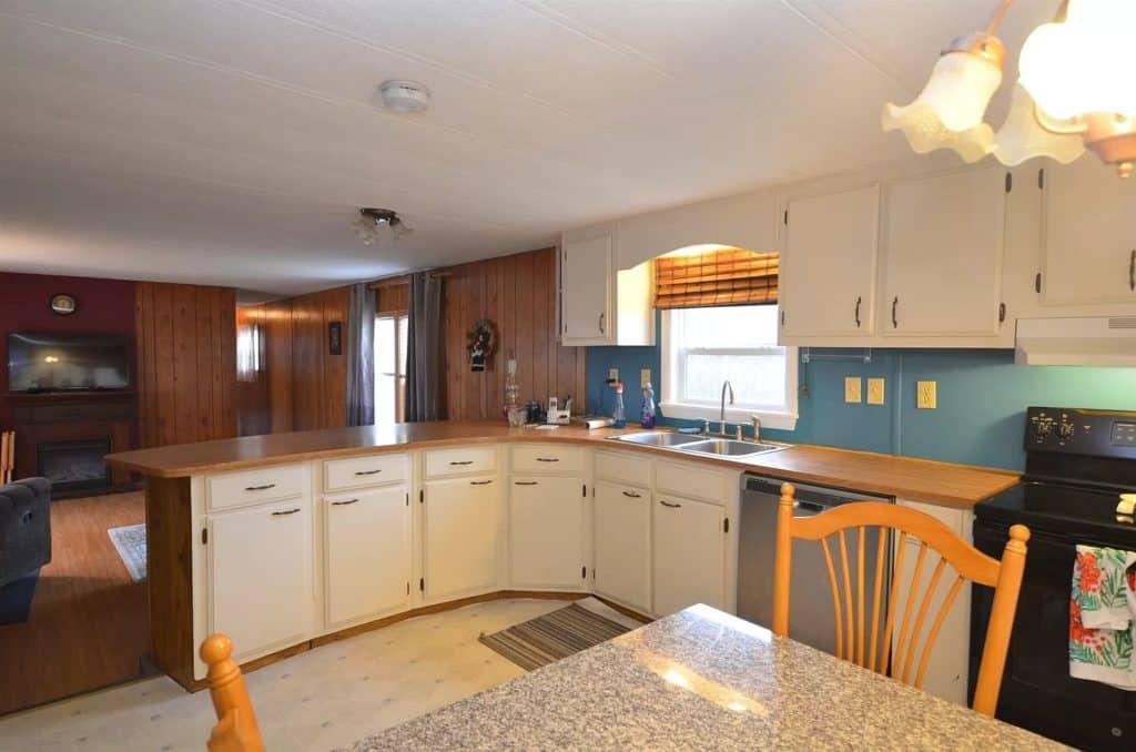 Maine Kitchen Area