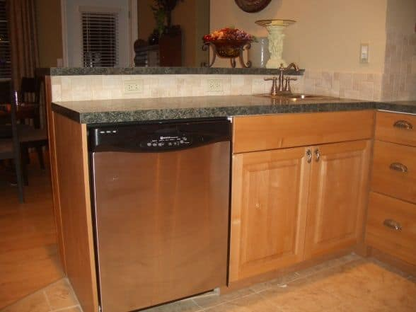 manufactured-home-kitchen-remodel-new cabinets and countertops
