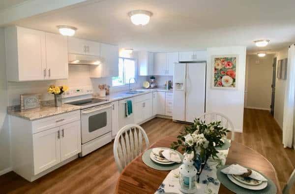 Marlette mobile home kitchen