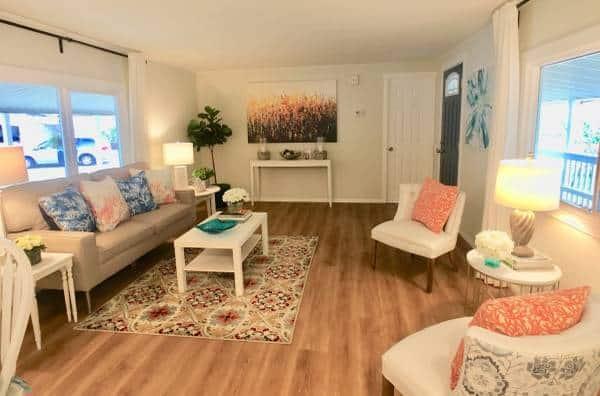 Marlette mobile home living room