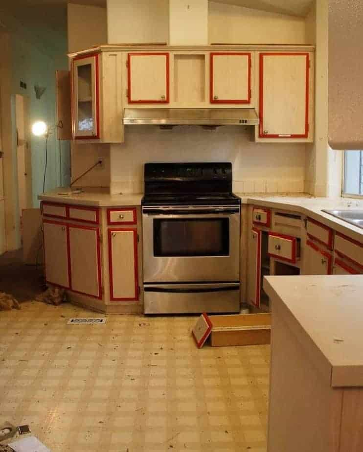 Mobile home flippers create beautiful farmhouse mobile home kitchen 2 before remodel