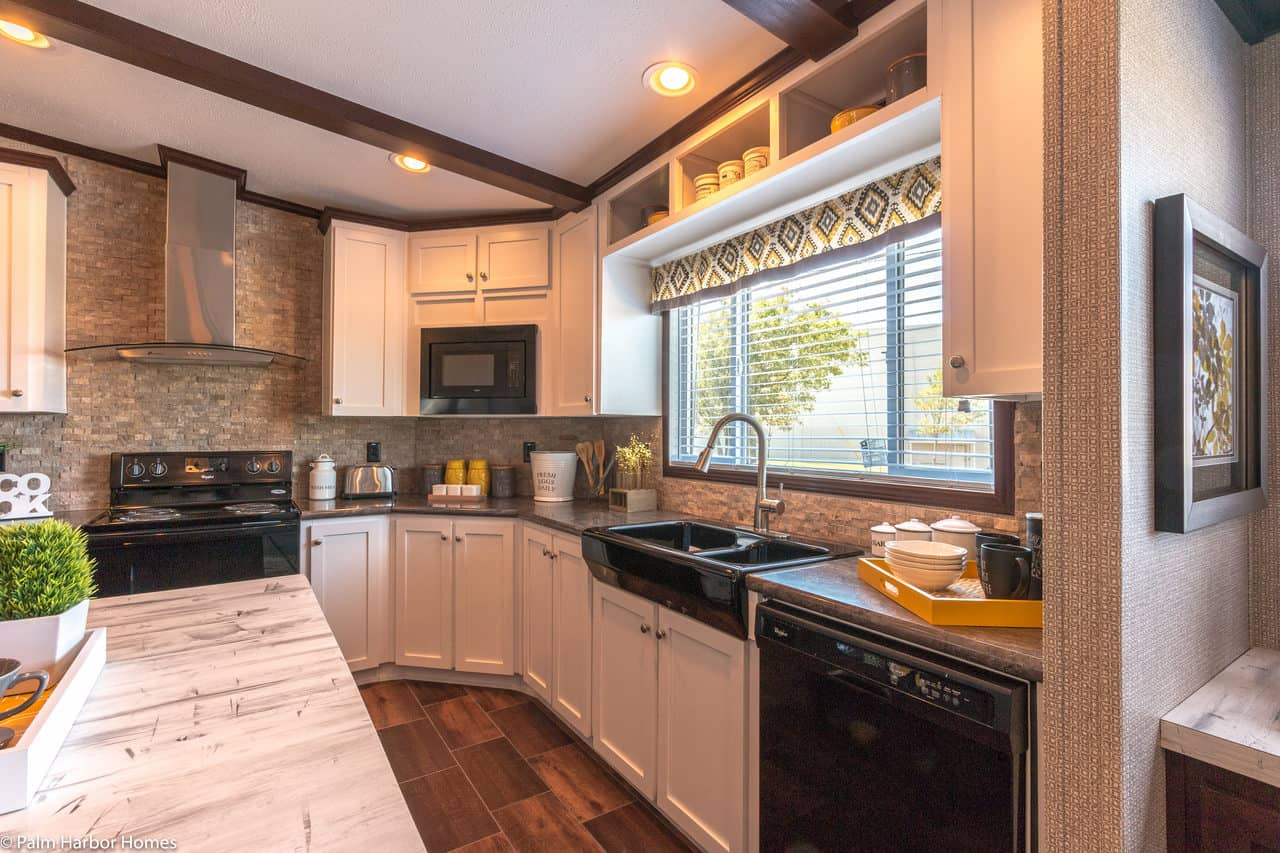 12 Beautiful Manufactured Homes With Black Appliances