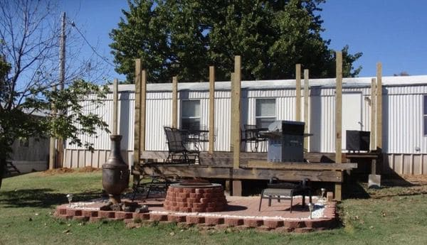 mobile home roof over - posts set around home
