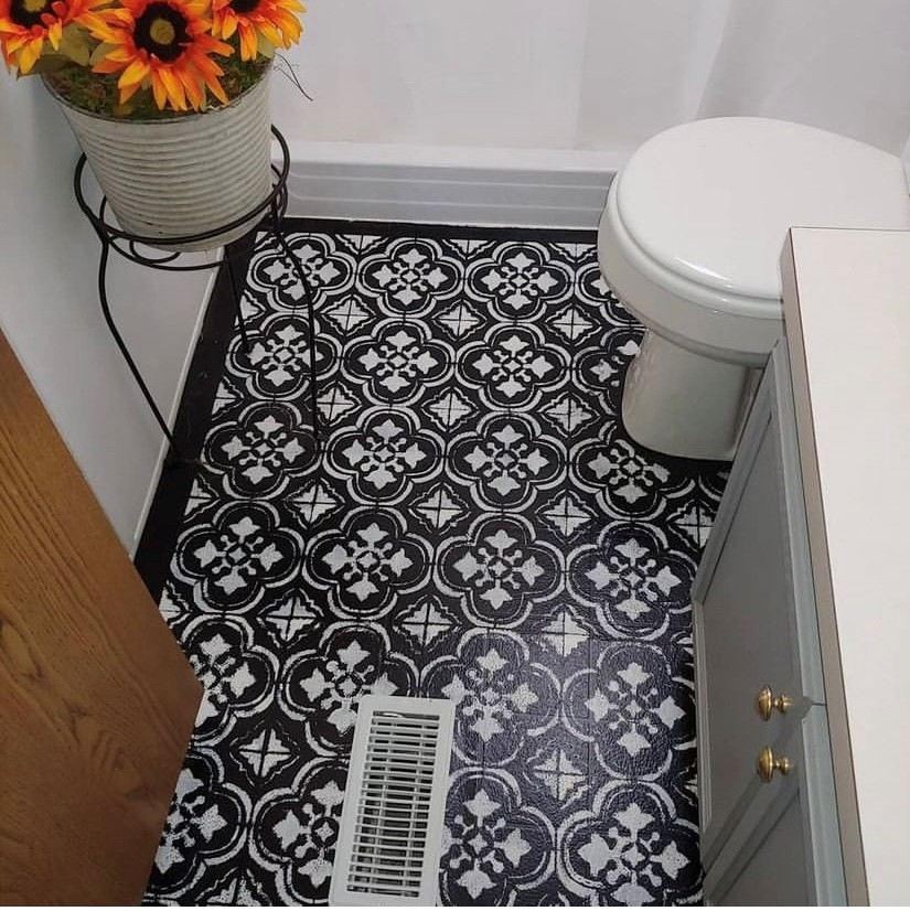 Mobilehome cottage bath floor after