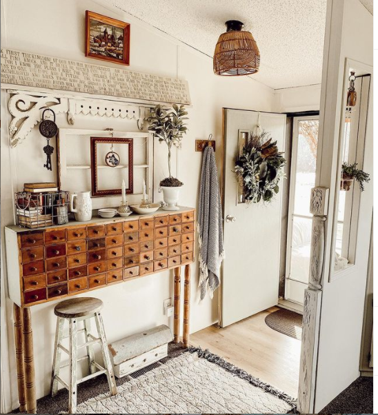 Mobilehome cottage entry way