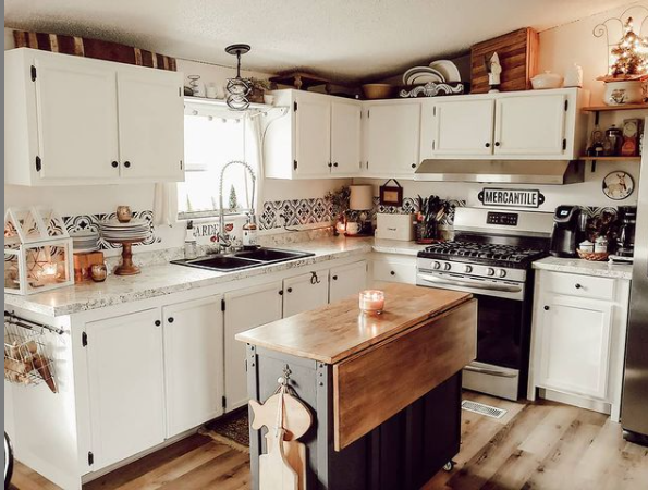 Mobilehome cottage kitchen 2