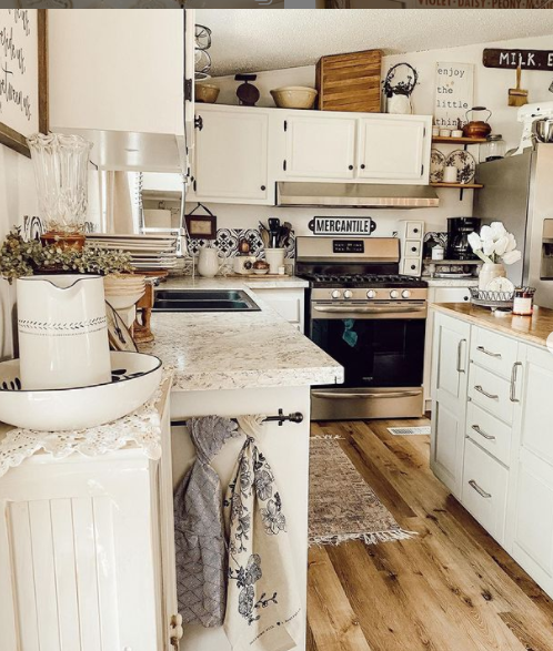Mobilehome cottage kitchen