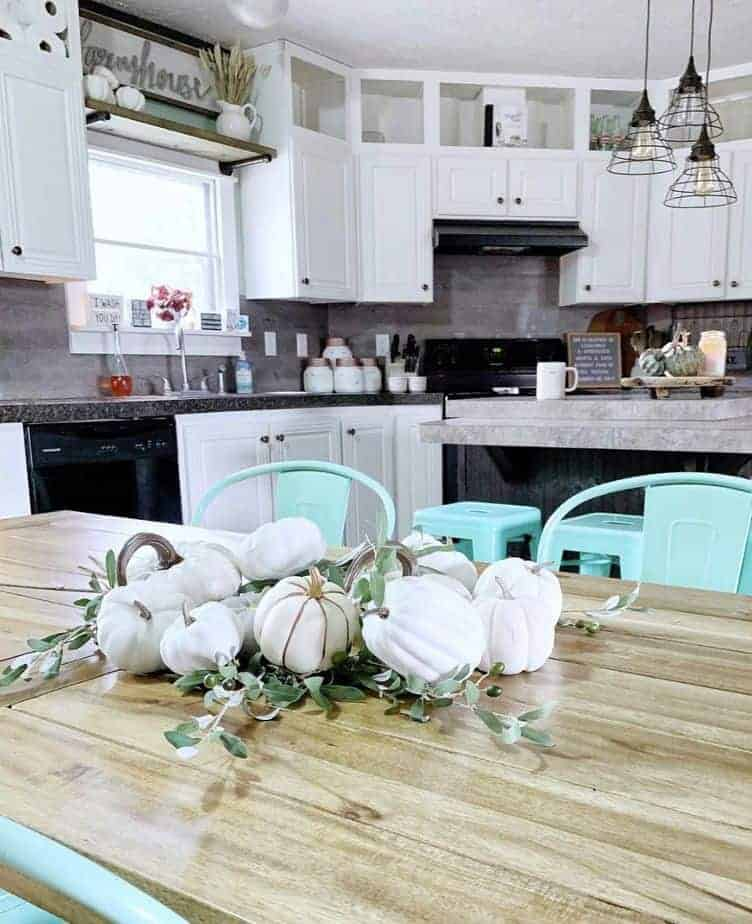 Modern-farmhouse-decor-kitchen