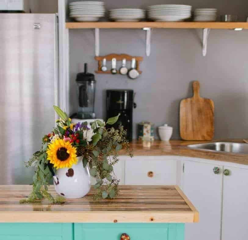 Modern Kitchen Decor In Mobile Home 1