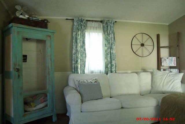 Momma Hen Single Wide Living Room