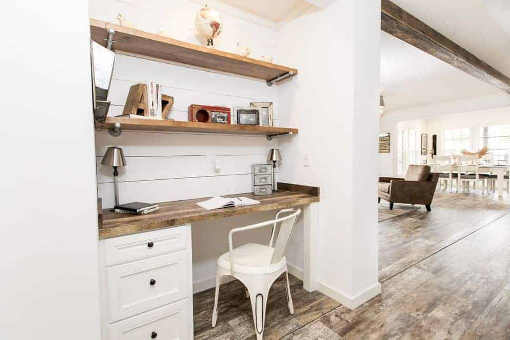 New-design-farmhouse-wood-accents