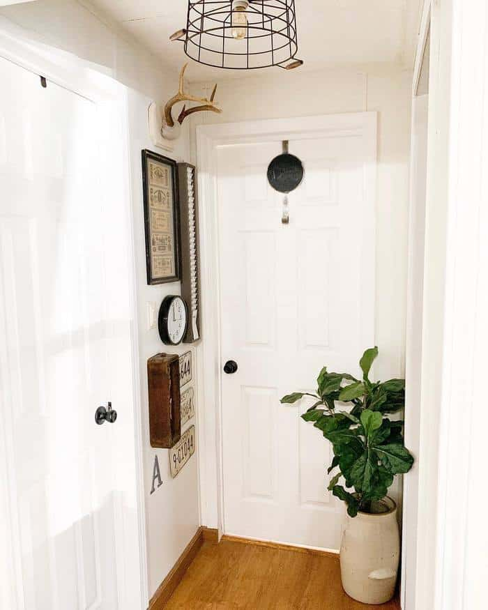 new-trim-doors-and-knobs-make-farmhouse-style-complete-1 (1)