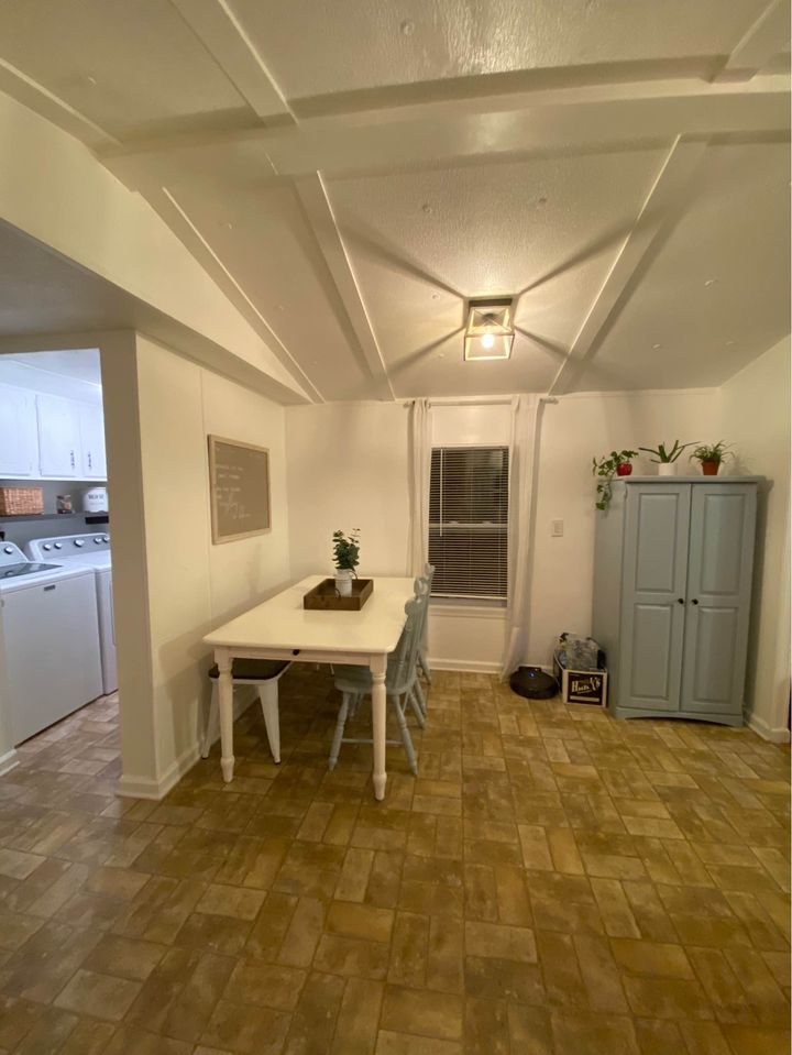 Newer mobile home dining area