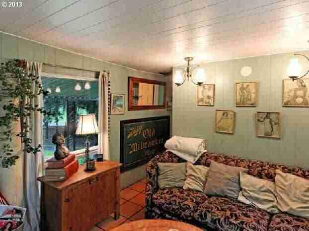 Oregon Single Wide Living Room