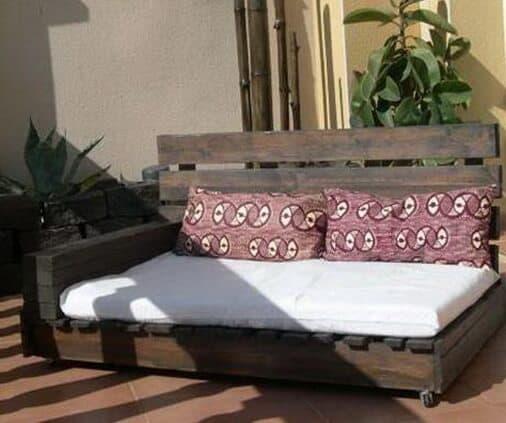 pallet deck lounge design