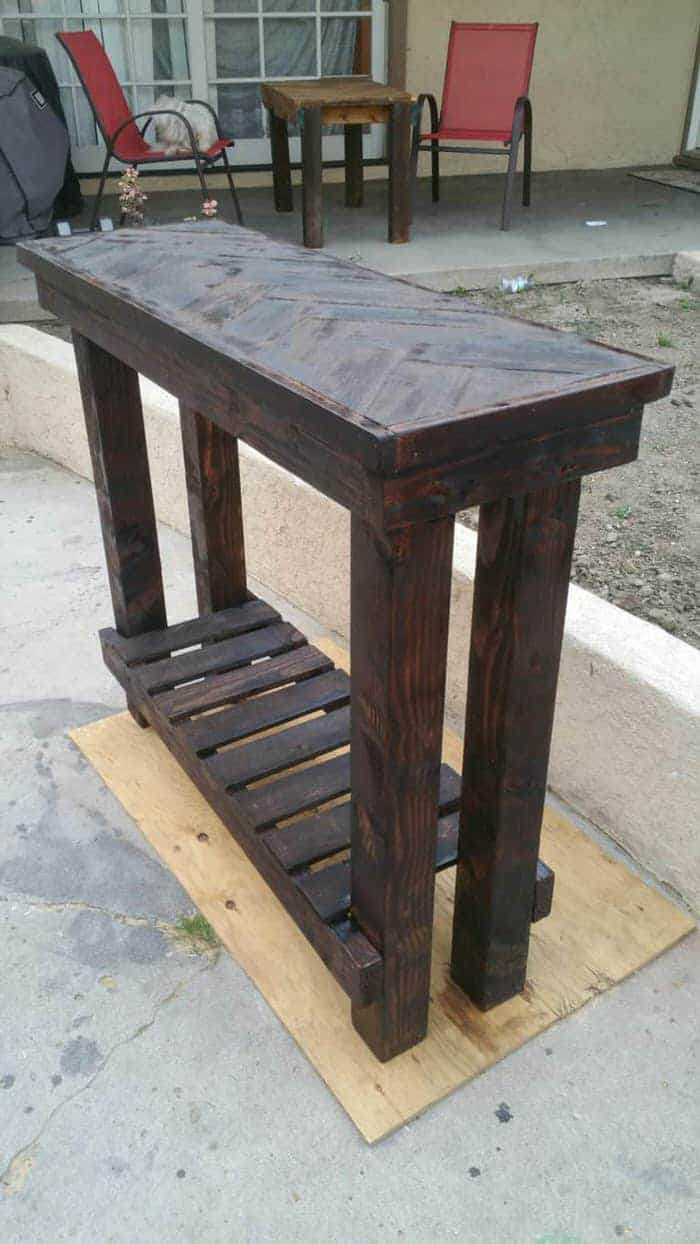 entry table made with pallets