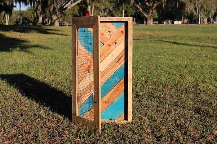 primitive jewelry holder made from pallet wood