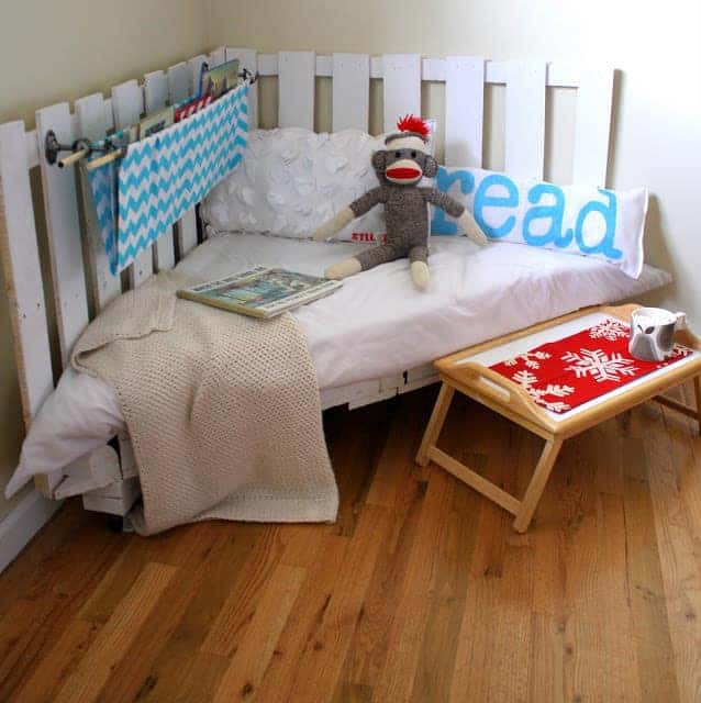 reading nook for kids made from pallets