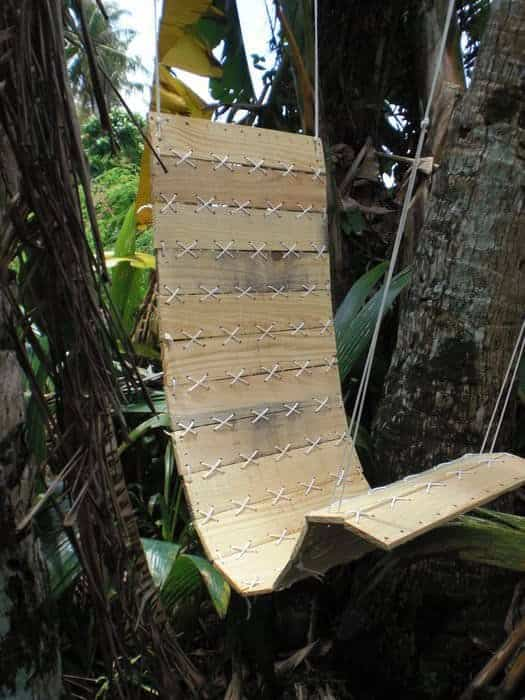 swinging chair made from pallet boards