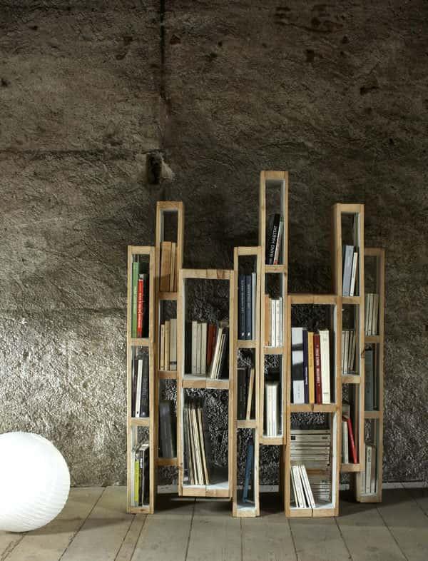 vertical bookshelf pallet project
