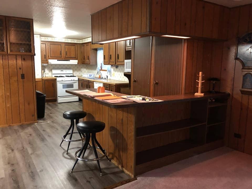 Pennsylvania Mobile Home Breakfast Bar