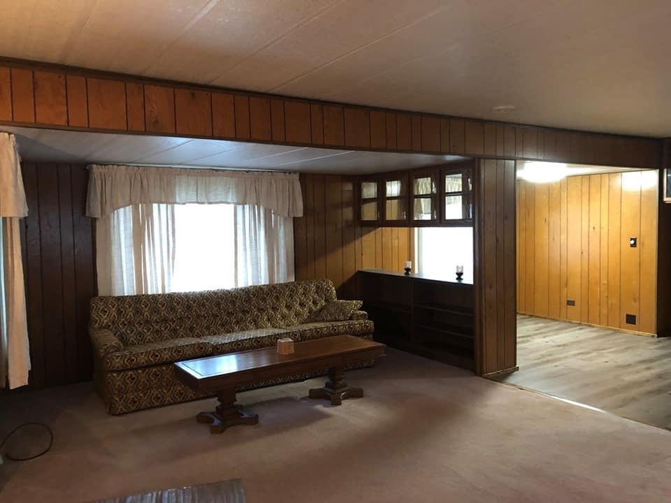 Pennsylvania Mobile Home Living Room