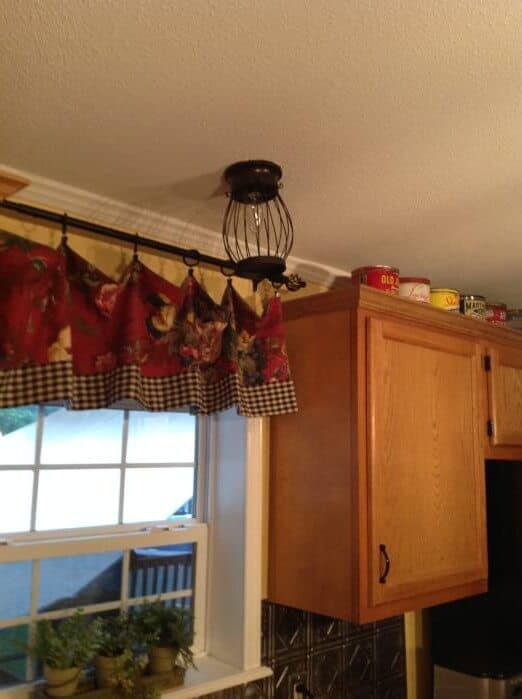 beautiful double wide with country primitive decor - kitchen photos- valances and light fixture