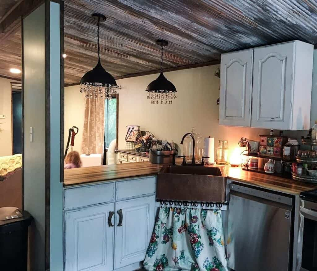 Primitive country sink and countertop after build