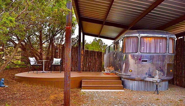 retro-trailers-1948-spartan-exterior