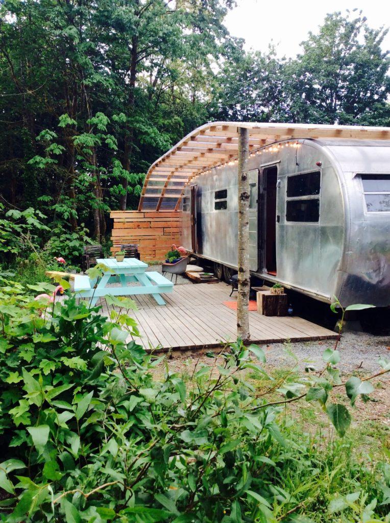 Retro trailers 50s spartan caravan exterior