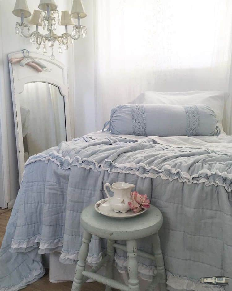 Romantic shabby chic mobile home0071