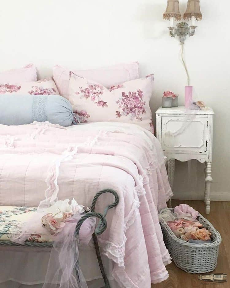 Romantic shabby chic mobile home0083